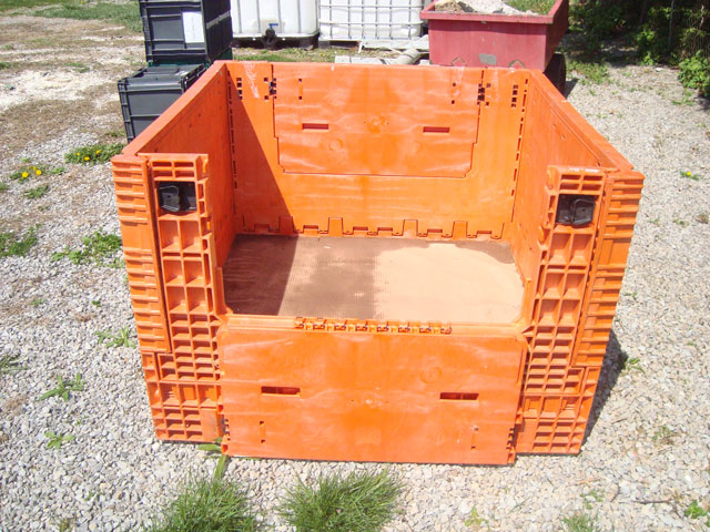 Storage-Crate-one-side-down